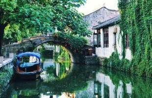夏天旅游就去10个国内最美的古镇