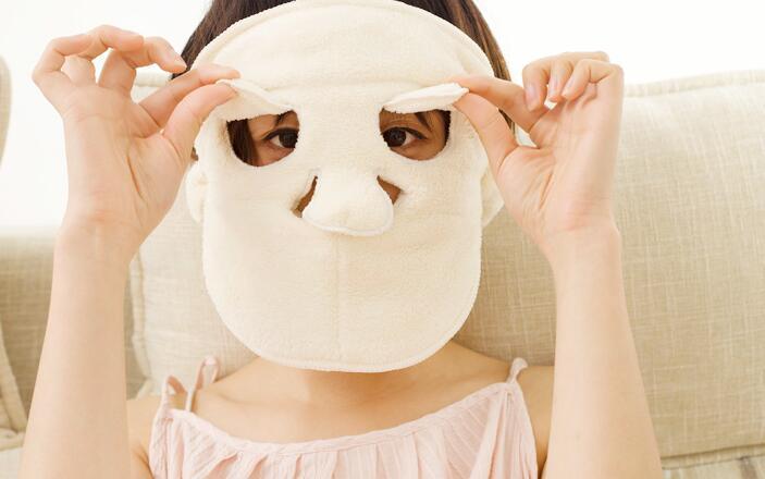 热毛巾敷脸有什么护肤作用 热敷脸好处和害处