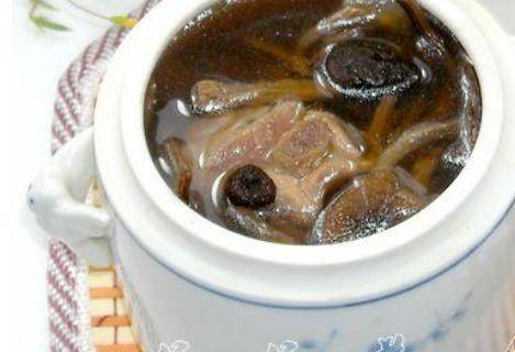 家常茶树菇排骨汤做法步骤和窍门,炖得好喝又滋补