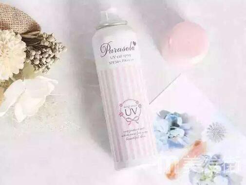 定妆粉和防晒喷雾哪个先用 夏季定妆粉和防晒喷雾的用法一定要掌握