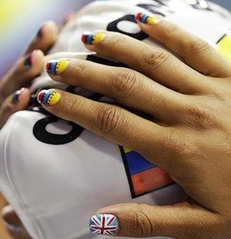 运动员也玩美甲 奥运游泳选手诠释最新美甲图片