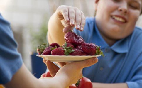 应对天气炎热的饮食减肥方法