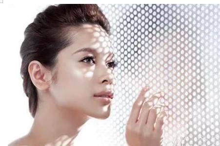 维c的功效与作用 服用维生素C片对健康和皮肤的好处