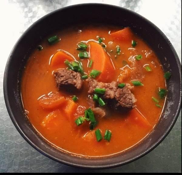 令吃货们口水直流的美食西红柿牛腩汤的做法你知道吗
