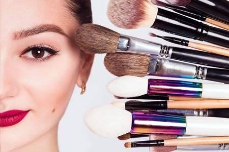 化妆步骤的先后顺序图解,女生简单化妆美出新境界