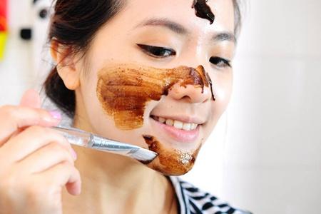 女生30岁脸上长痘痘的原因,长痘痘效果最佳的治疗方法