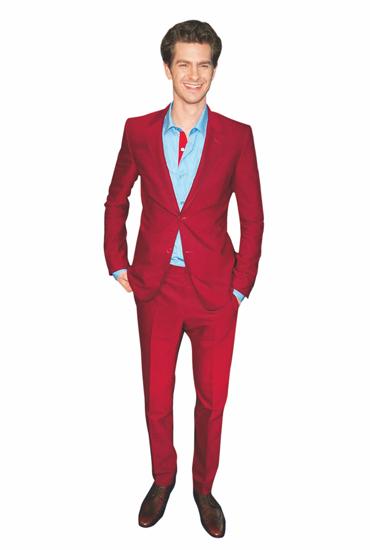 冬季色彩绅士:明星示范彩色西装外套