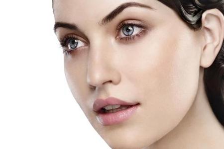 痘痘肌肤、干皮、油皮肤质大不同,护肤方法有诀窍