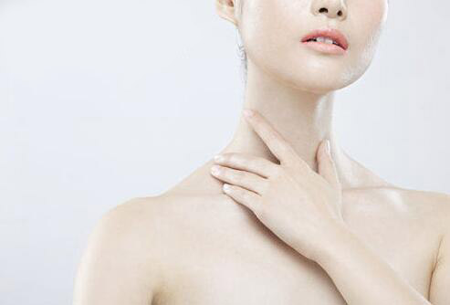 脖子上的皱纹怎么去除 脖子皱纹去除方法