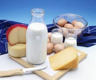 减肥佳品 这样吃酸奶瘦身又丰胸