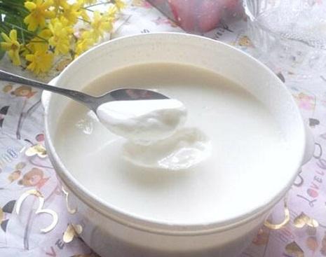 一杯酸奶 丰胸又能除赘肉