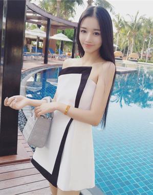毕业晚会穿什么合适 菱白网纱立体花裙