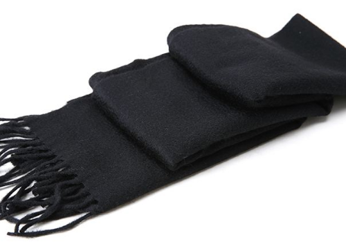 为什么送围巾会分手 男生围白色还是黑色围巾好