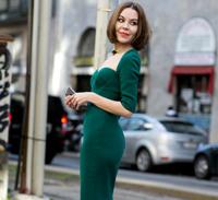 复古绿色搭配什么颜色好看 项链高跟鞋搭起来