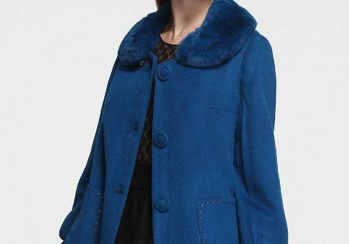 宝蓝色是什么年纪穿的 搭配什么颜色好看