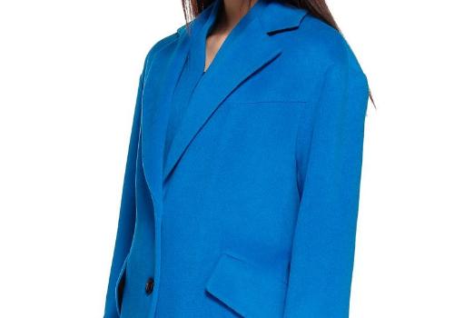 湖蓝色是什么颜色 大衣配什么内搭