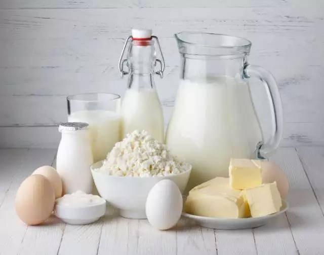 女人长期喝牛奶和豆浆,到底有什么差别?
