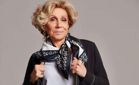 79岁奶奶设计内衣当模特,满满的正能量!