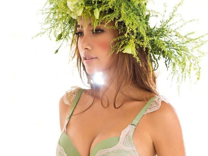 秋之色,绿色内衣演绎温润秋冬