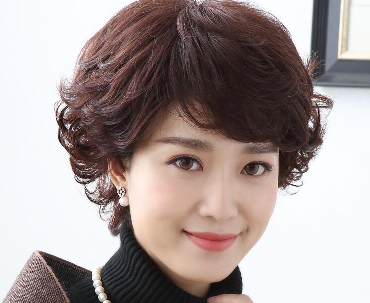50岁女性短发可以烫头发吗 这些发型优雅减龄看起来很精神
