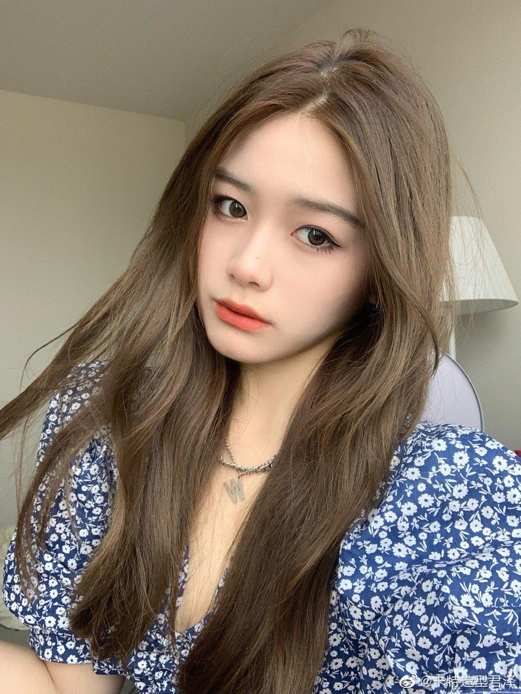 清新女生发型奶茶灰棕染发图片