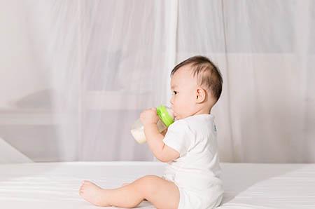 只要用对了正确的方法,妈妈和宝宝就能顺利的分房睡了!