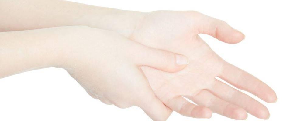 手脚冰冷是因为宫寒吗 如何健康调理