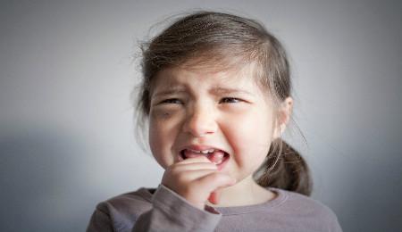 不听话的孩子父母到底该不该打?
